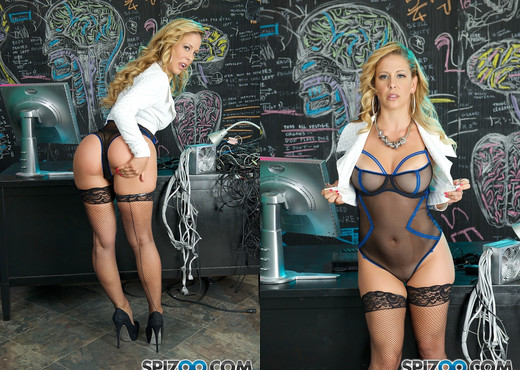 Cherie Deville Is Hot - Spizoo - MILF Sexy Photo Gallery