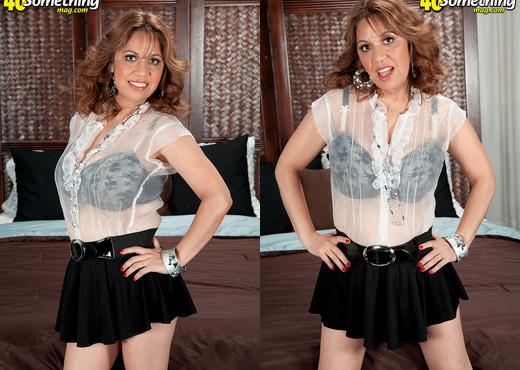 Marisa Carlo - Muy Grande In Her Culo - 40 Something Mag - MILF Nude Pics