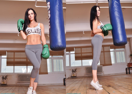 Emma Glover - Emma Boxing - Skin Tight Glamour - Solo Nude Gallery