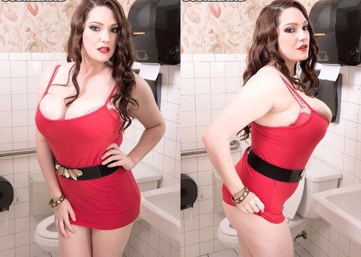 Kate Marie - Peeping In The Ladies Room - ScoreLand - Boobs Picture Gallery