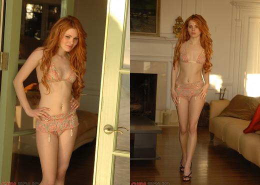 Jamie Langford - Golden Glow - Girlfolio - Solo Nude Gallery