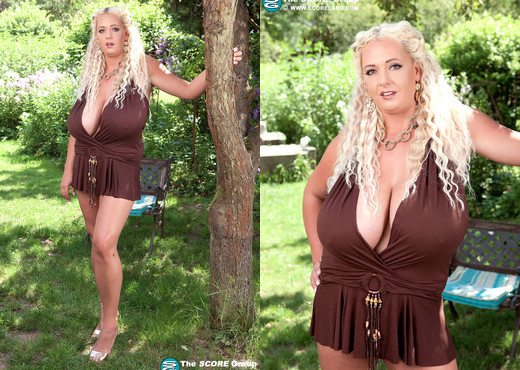 Emilia Boshe - Oktoberbreast Never Ends - ScoreLand - Boobs Sexy Photo Gallery