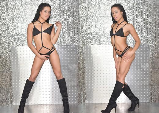 Kira Noir - HardX - Ebony Sexy Gallery