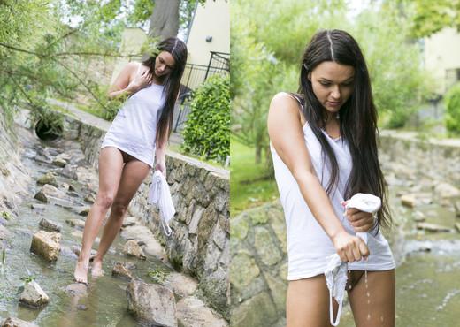 Frida C - True Nature 1 - MetArt X - Solo Nude Pics