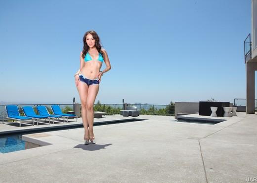 Vicki Chase - HardX - Solo Nude Pics