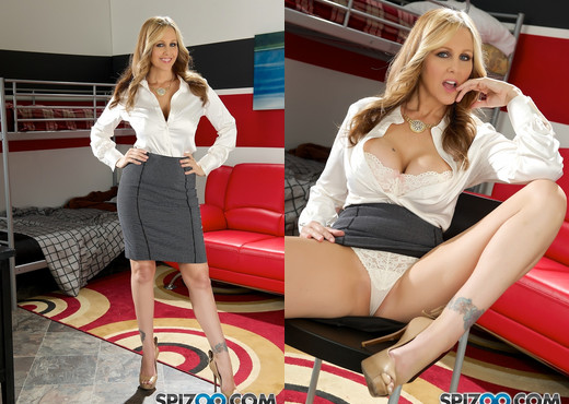Julia Lesson - Julia Ann hardcore - Spizoo - MILF Hot Gallery