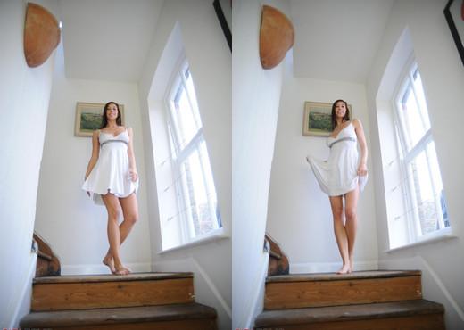 Maria Eriksson - The Flasher - Girlfolio - Solo Sexy Photo Gallery