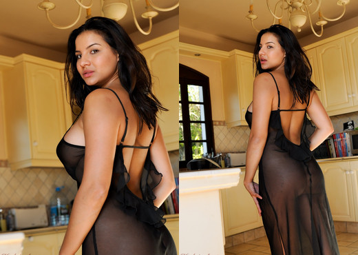 Lacey Banghard - Lacey Ice Cubes - Hayley's Secrets - Solo Porn Gallery