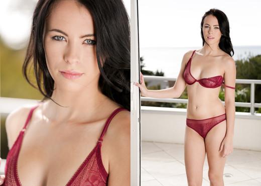 Veronica - Erotica X - Solo Nude Pics
