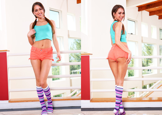 Riley Reid - Only Teen Blowjobs - Blowjob HD Gallery