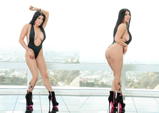 Romi Rain - HardX - Solo Nude Gallery