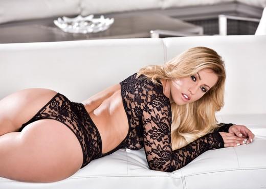 Kelsi Monroe - DarkX - Pornstars TGP