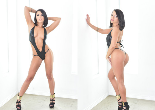 Adriana Chechik - HardX - Pornstars Sexy Photo Gallery