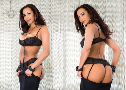 Alina Li & Devin DeRay - HardX - Pornstars Nude Gallery