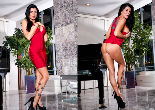 Jake Taylor & Romi Rain - Mommy Blows Best - Blowjob Porn Gallery