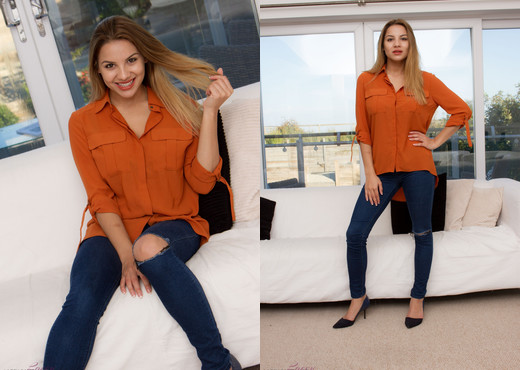 Lacey Banghard - Lb New Jeans - Solo TGP