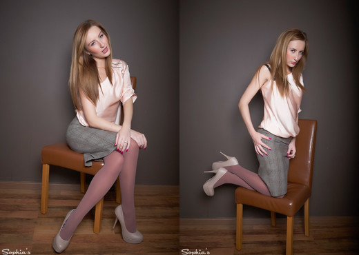 Sophia Smith - Brown Tights - Sophia's Sexy Legwear - Solo TGP