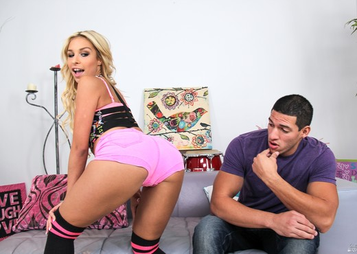 Tony Martinez & Carmen Caliente - Only Teen Blowjobs - Blowjob TGP