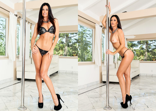 India Summer - Throated - Blowjob Picture Gallery