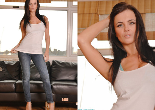 Emma Glover - Emma Jeans - Skin Tight Glamour - Solo Picture Gallery