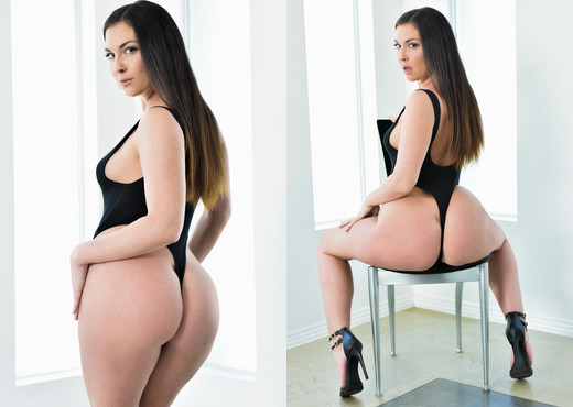 Brittany Shae - DarkX - Pornstars Sexy Photo Gallery