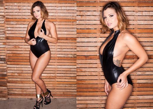 Keisha Grey - HardX - Solo Nude Pics