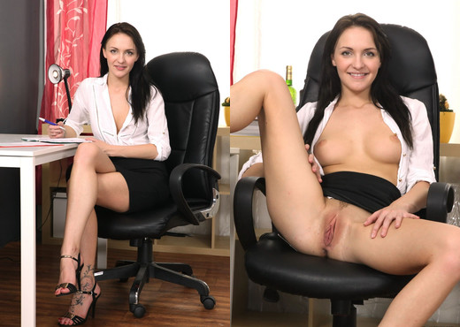 Belle Claire - We Like To Suck - Blowjob Sexy Photo Gallery