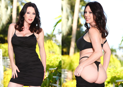 RayVeness & Alex Gonz - Mommy Blows Best - Blowjob HD Gallery
