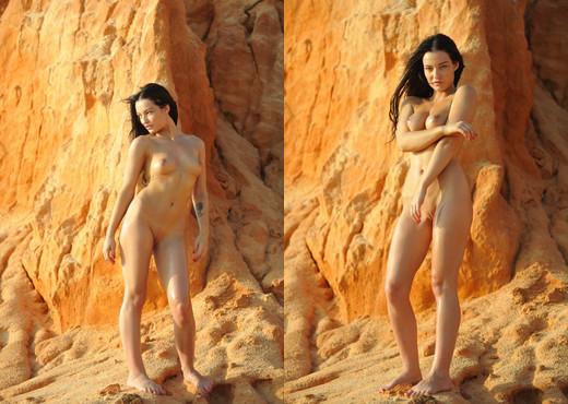 Kayleigh - Girlfolio - Solo Porn Gallery