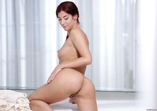 Shona River - Sensual Oil Massage - Hardcore Nude Gallery