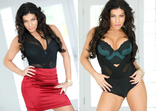 Nikki Capone - Blackmailed MILF: Secret Swinger Nikki - MILF Nude Pics