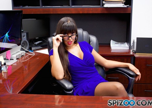 Mercedes Office Fun - Mercedes Carrera hardcore - Spizoo - Latina Sexy Photo Gallery