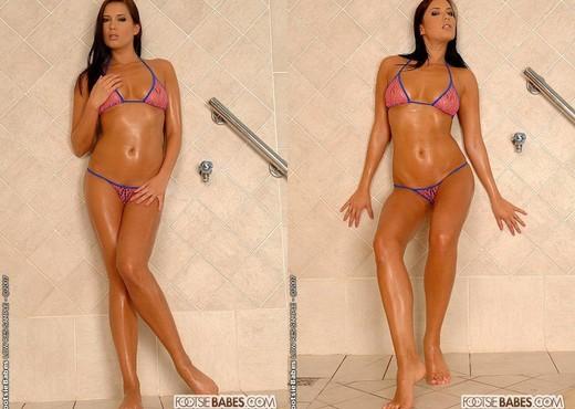 Veronica Da Souza - Footsie Babes - Feet Nude Pics