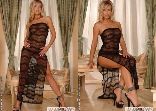 Gigi - Footsie Babes - Feet Nude Gallery