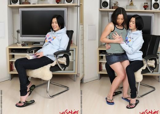 Netta & Olena - Lez Cuties - Fisting Porn Gallery