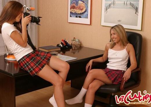Aliza & Lilja Eating Pussy - Lez Cuties - Lesbian Nude Gallery