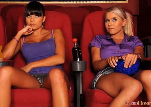 Lesbian Sex with Jacline & Sasha Cane - Lezbo Honeys - Lesbian Nude Pics