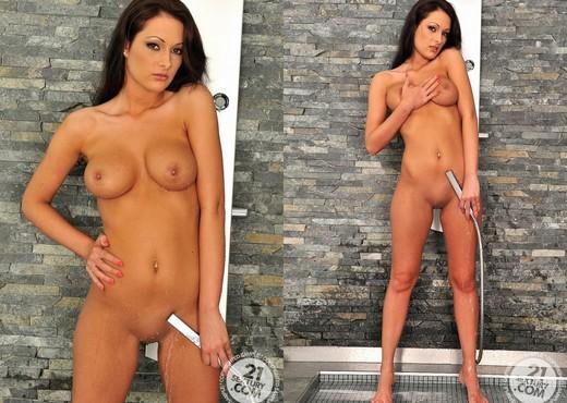 Dana Weyron - 21 Sextury - Solo Nude Gallery