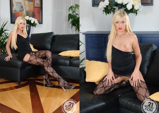 Jess, Lana Blond - 21 Sextury - Lesbian Porn Gallery