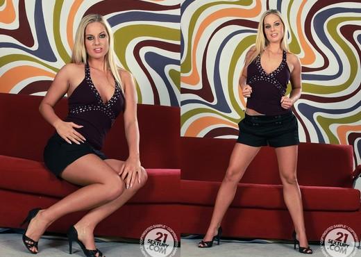 Cara - 21 Sextury - Solo Sexy Gallery