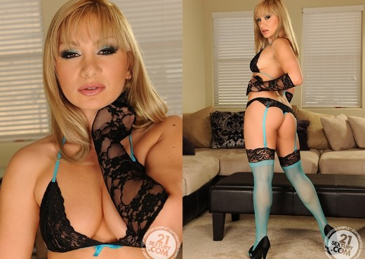Lea Lexxis - 21 Sextury - Toys Hot Gallery