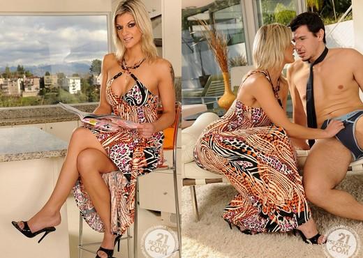 Klarisa Leone - 21 Sextury - Anal Picture Gallery