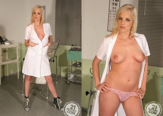 Laraan - 21 Sextury - BDSM Picture Gallery