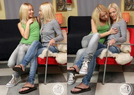 Leenda, Lisa - 21 Sextury - Lesbian Image Gallery