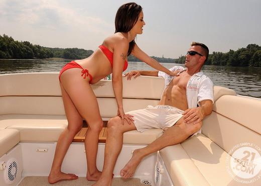 Valentina Cruz - 21 Sextury - Hardcore Nude Pics
