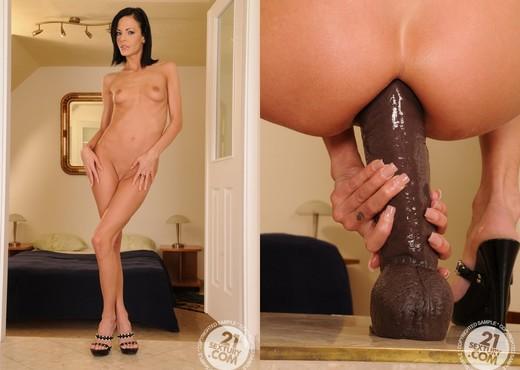 Liz - 21 Sextury - Fisting Porn Gallery