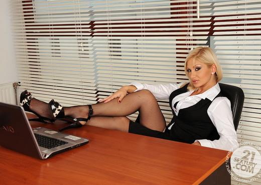Lee Lexxus - 21 Sextury - Anal Hot Gallery