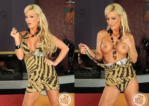 Pearl Diamond - 21 Sextury - Toys Nude Gallery