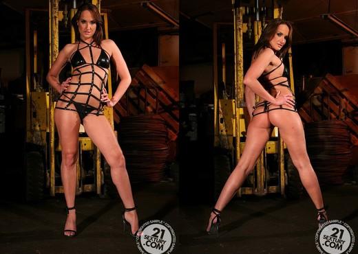 Andy Brown, Kathia Nobili - BDSM HD Gallery