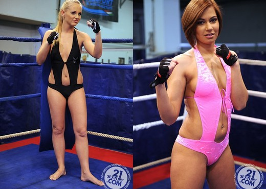 Cipriana VS Tara Pink - Lesbian Sexy Gallery